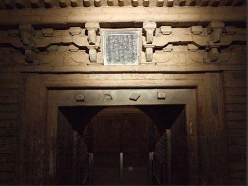 Bẫy dây trong các khu lăng mộ cổ