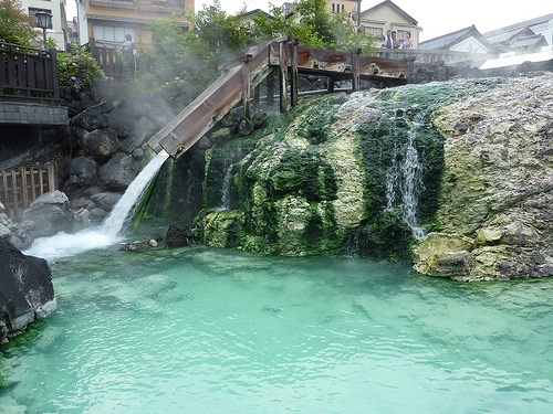 Suối nước nóng nổi tiếng tại Nhật Bản