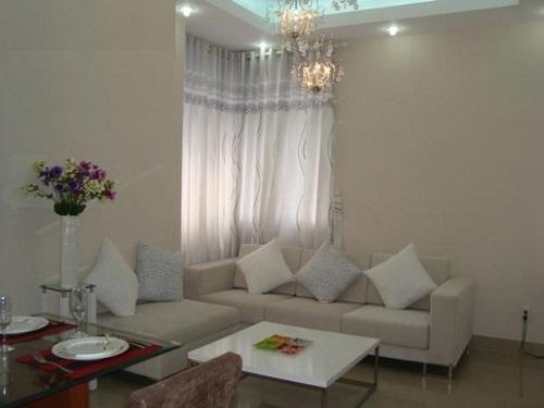 Phòng khách được thiết kế thanh lịch