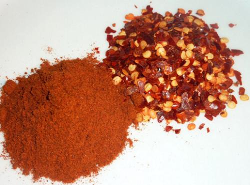 Hạn chế ăn các món ăn cay nóng chứa nhiều tiêu ớt