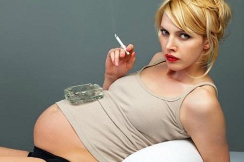 Hút thuốc lá là nguyên nhân gây dị tật thai nhi