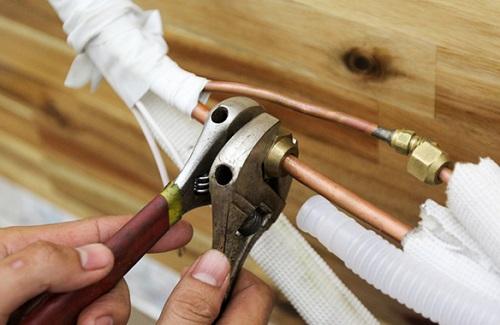 Thay ống dẫn gas máy lạnh