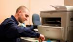 Quy trình tích điện hoạt động của máy photocopy màu