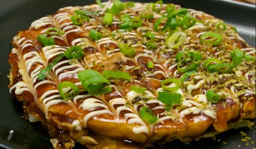 Okonomiyaki- sự kết hợp truyền thống và hiện đại trong ẩm thực Nhật Bản