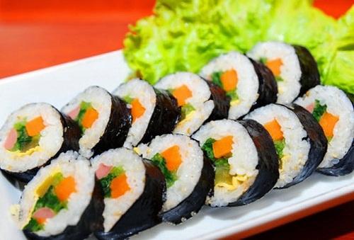 Cơm cuộn Hàn Quốc là món ăn phổ biến, dễ làm