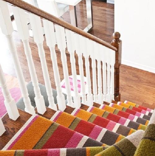 Thảm cầu thang đa sắc màu
