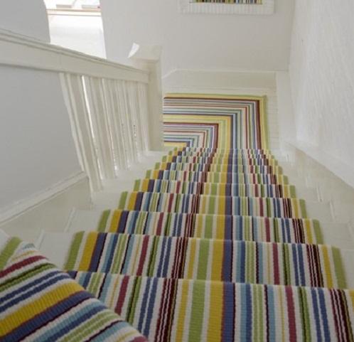 Thảm cầu thang màu sắc vui nhộn