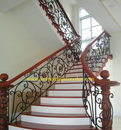 Cầu thang sắt 4