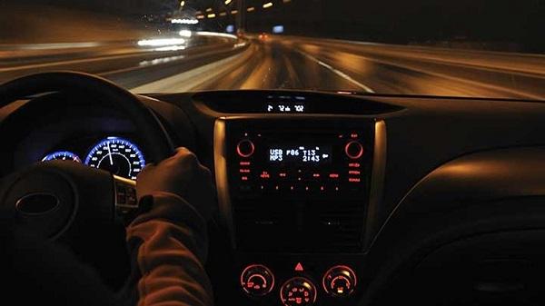 kinh nghiệm lái xe đường dài ban đêm