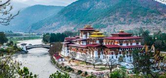 Nên du lịch Bhutan tự túc hay theo tour?