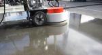 Nên lựa chọn đánh bóng sàn hay thi công sơn Epoxy cho nền bê tông?