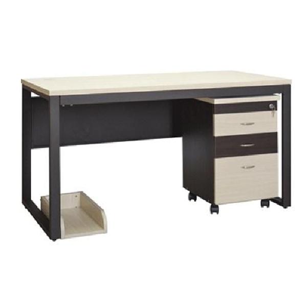 Bộ bàn văn phòng được thiết kế đơn giản nhưng vẫn đảm bảo tính sang trọng với sự kết hợp hài hòa giữa hai màu sáng và tối