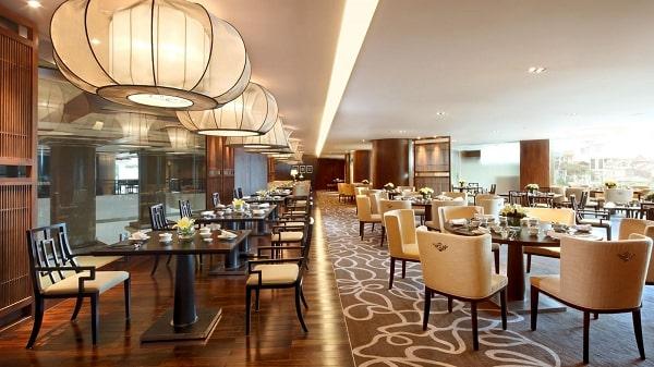nội thất nhà hàng cũng là điểm mấu chốt níu giữ chân thực khách