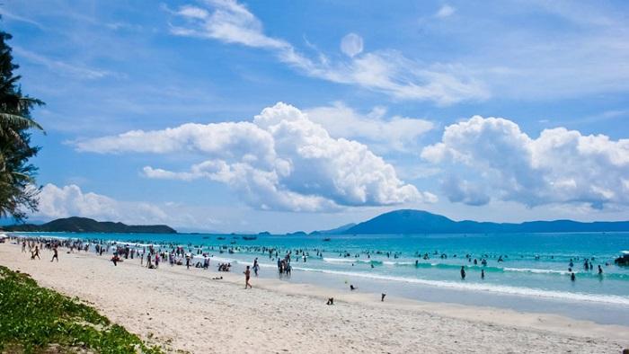 Du lịch biển Hải Hòa mùa hè