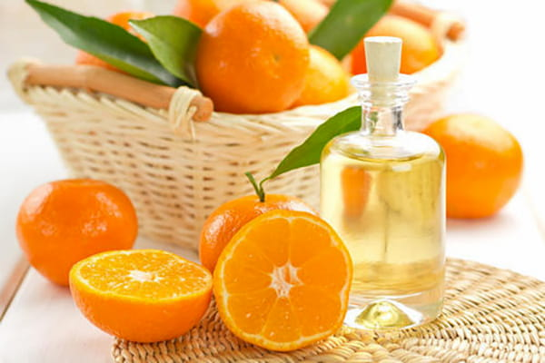 Giá tinh dầu cam thiên nhiên khá rẻ