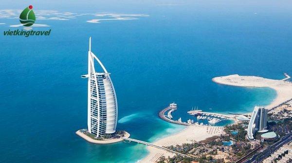 Khách sạn cánh buồm Dubai với thiết kế độc đáo