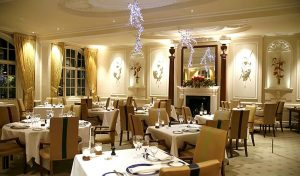 Đây chính là nơi để có bữa tối sang trọng nếu đi với đối tác hoặc các buổi gặp gỡ quan trọng.