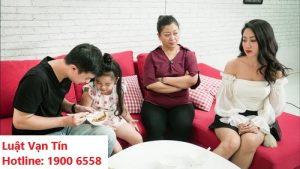Gia đình khó chịu khi vợ/chồng đến thăm con