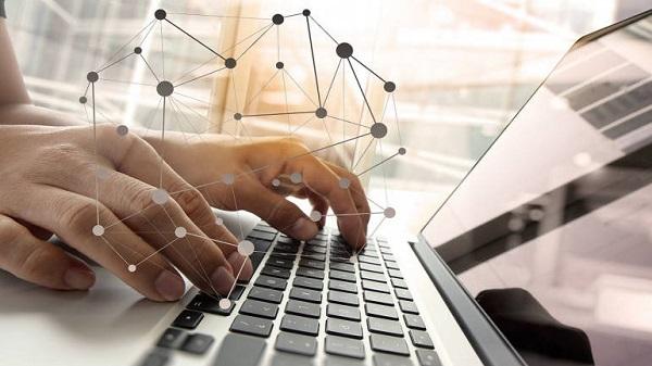 Chỉ cần máy tính có kết nối mạng internet là bạn đã có thể kiếm tiền từ Forex