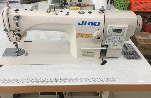 Một loại máy may 1 kim Juki Nhật Bản