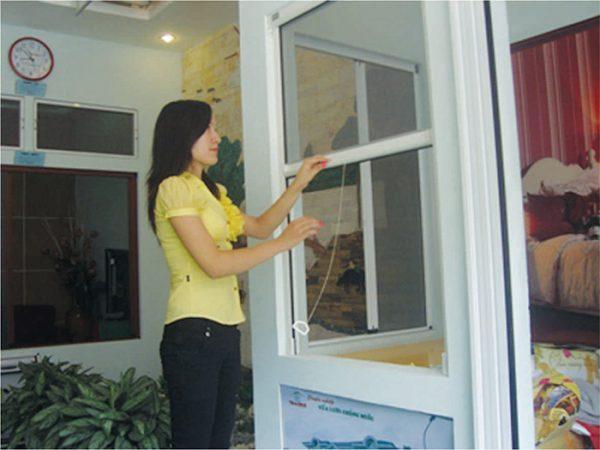 Những lợi ích của cửa lưới chống muỗi