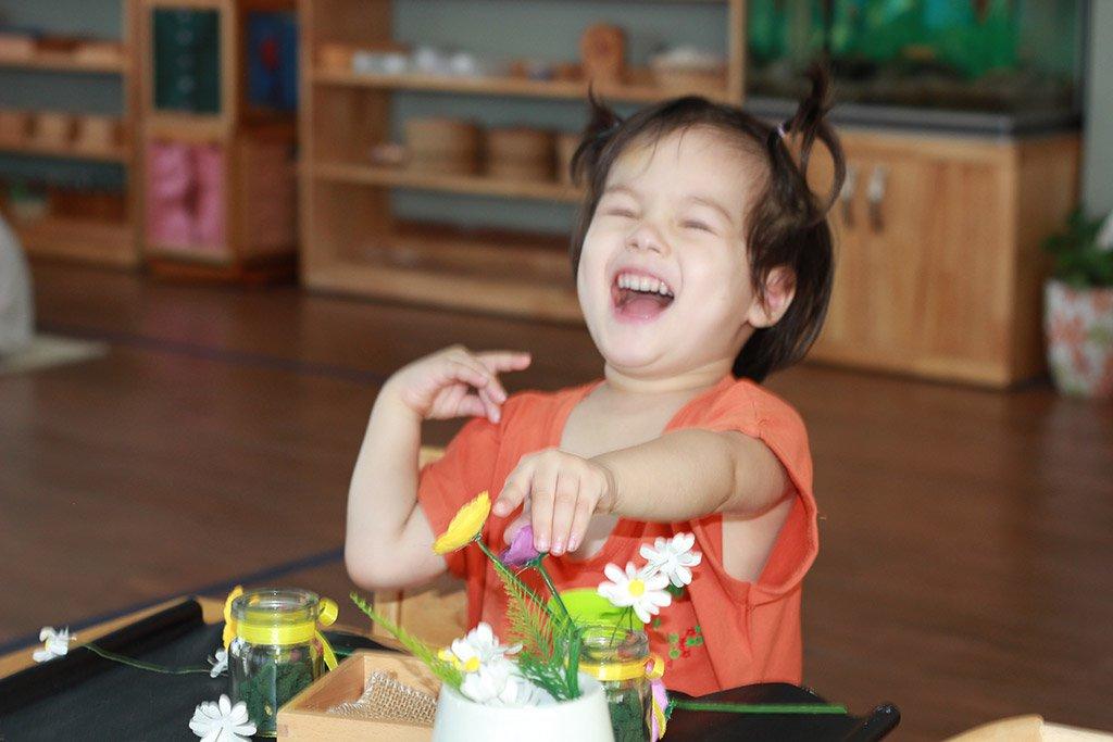 5 điểm khác biệt lớn giữa phương pháp Montessori và truyền thống