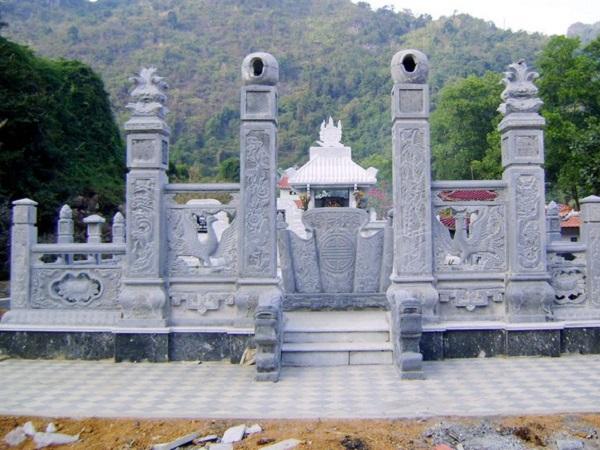 Lăng mộ đá  với thiết kế đối xứng đẹp mắt