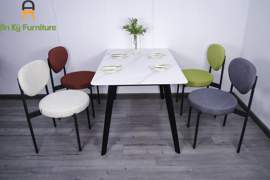 Làm đẹp không gian bếp với bộ bàn ăn 4 ghế đẹp
