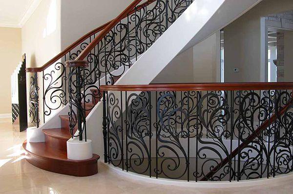 Tìm hiểu về cầu thang sắt nghệ thuật