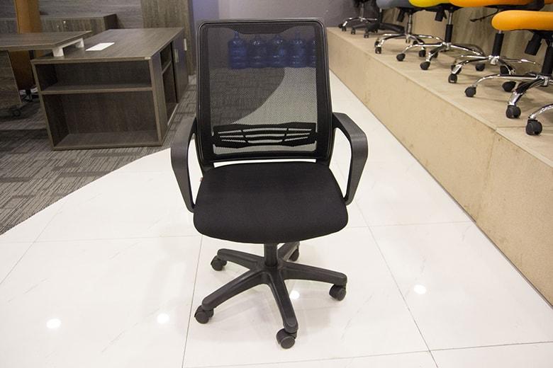 Cách chọn kích thước ghế ngồi phù hợp cho dân văn phòng