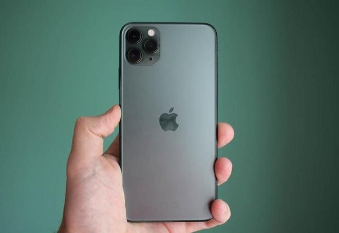 iPhone 11 sở hữu cụm 3 camera đặc trưng