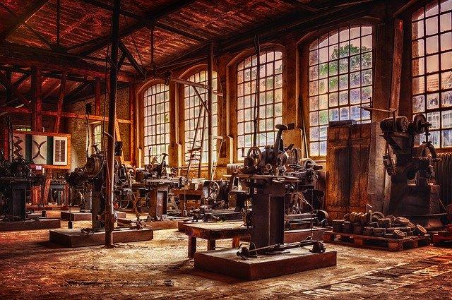Nhà máy thiết kế kiểu cũ