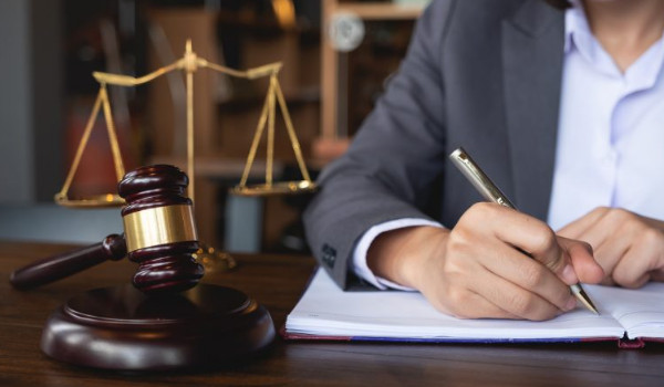 Luật sư tư vấn luật doanh nghiệp
