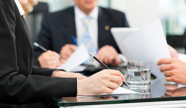 Những lý do vì sao bạn nên thuê luật sư tư vấn luật doanh nghiệp