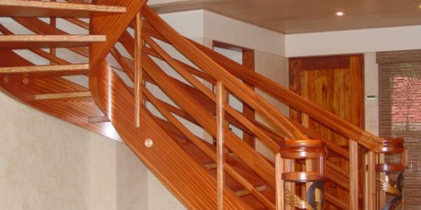 Những mẫu cầu thang gỗ đẹp