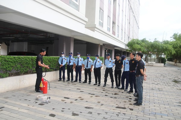 Đội ngũ nhân viên bảo vệ của Việt Thiên Long được trang bị đầy đủ các kỹ năng