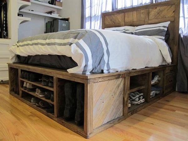 Giường pallet có nhiều tầng dưới bằng gỗ thông