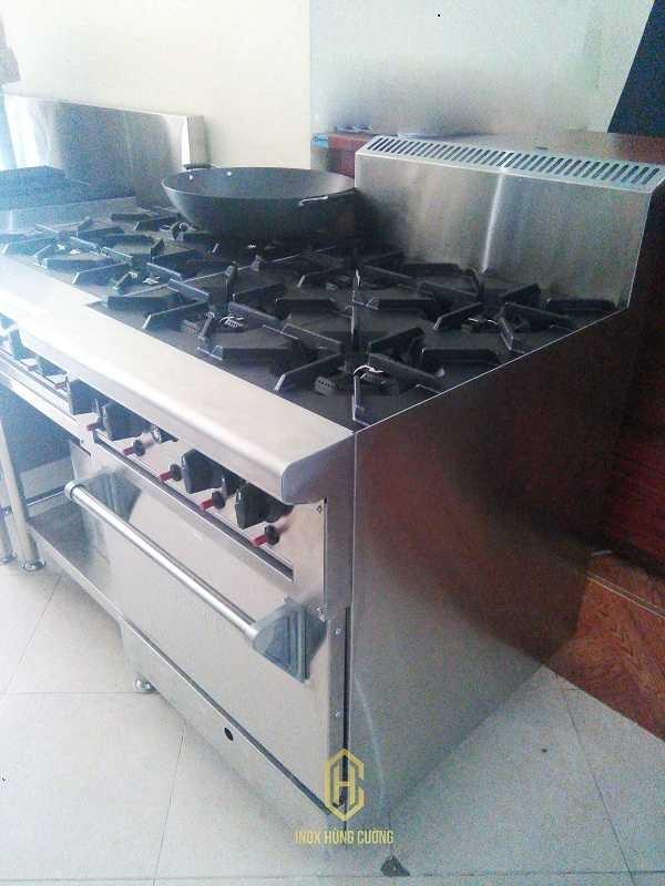 Bếp âu 4 hộng có lò nướng được sử dụng rất rộng rãi trên thị trường hiện nay