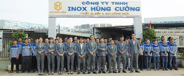 Inox Hùng Cường có đội ngũ nhân viên chuyên nghiệp trong việc lắp đặt kh đông lạnh