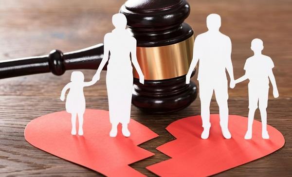 Bố hay mẹ được nuôi con sau ly hôn?