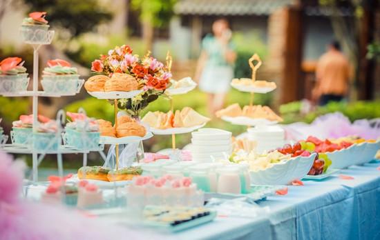 Thực đơn tiệc ngọt đơn giản và sang trọng với mức giá siêu rẻ