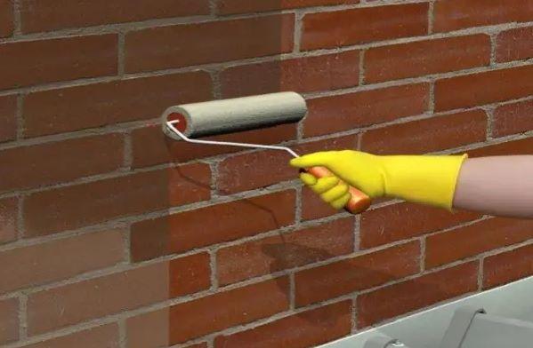 Giải pháp chống thấm tường nhà cũ - Trét keo chống thấm